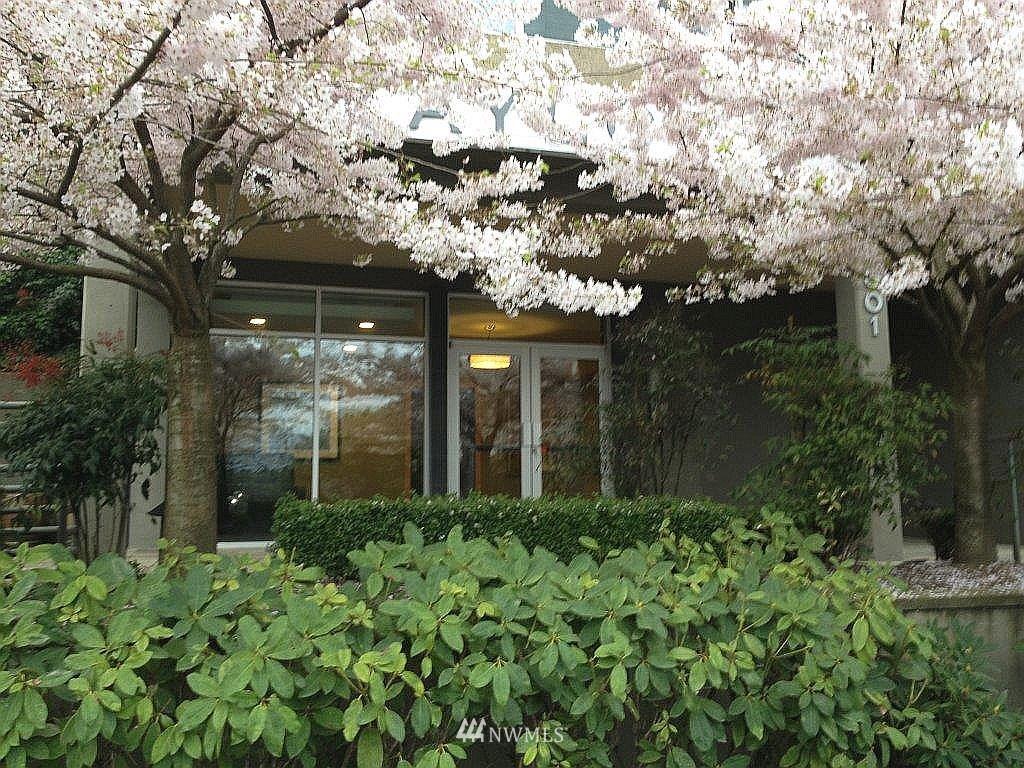Sold Property | 1601 Taylor Avenue N #203 Seattle, WA 98109 0