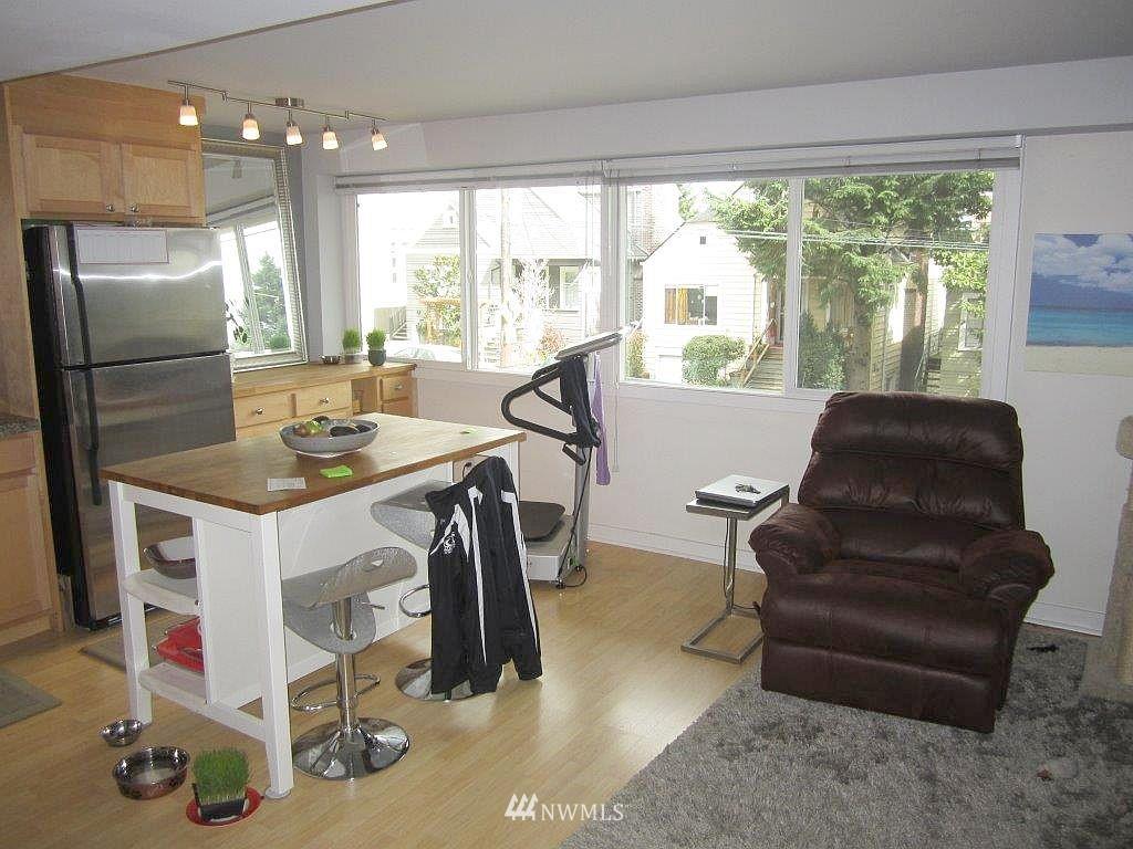 Sold Property | 1601 Taylor Avenue N #203 Seattle, WA 98109 5