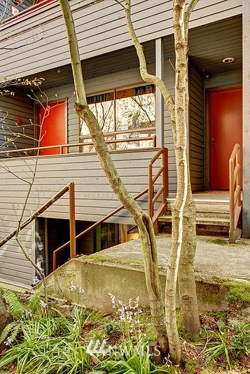 Sold Property | 3655 Albion Place N #2 Seattle, WA 98103 0