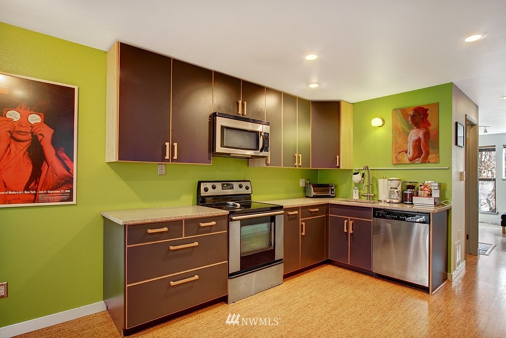 Sold Property | 3655 Albion Place N #2 Seattle, WA 98103 1