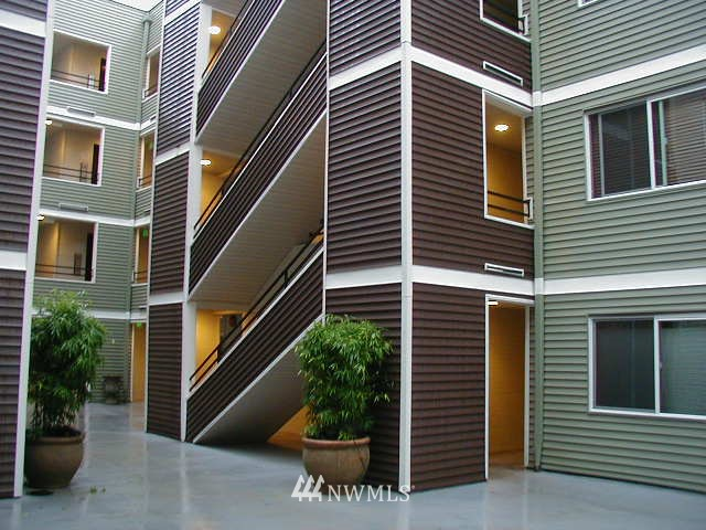 Sold Property | 1311 12th Avenue S #D101 Seattle, WA 98144 0