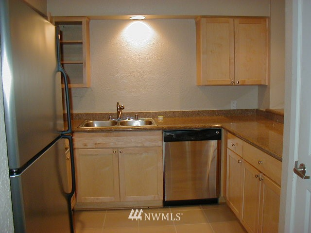 Sold Property | 1311 12th Avenue S #D101 Seattle, WA 98144 2