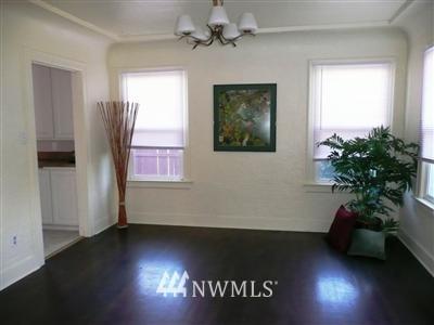 Sold Property   415 20th Avenue S Seattle, WA 98144 2