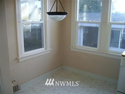 Sold Property   415 20th Avenue S Seattle, WA 98144 6