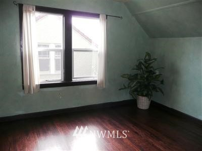 Sold Property   415 20th Avenue S Seattle, WA 98144 9