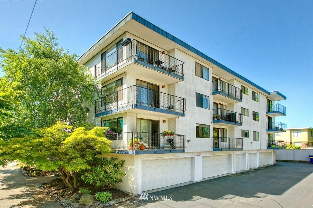 Sold Property | 7501 Greenwood Avenue N #301 Seattle, WA 98103 0