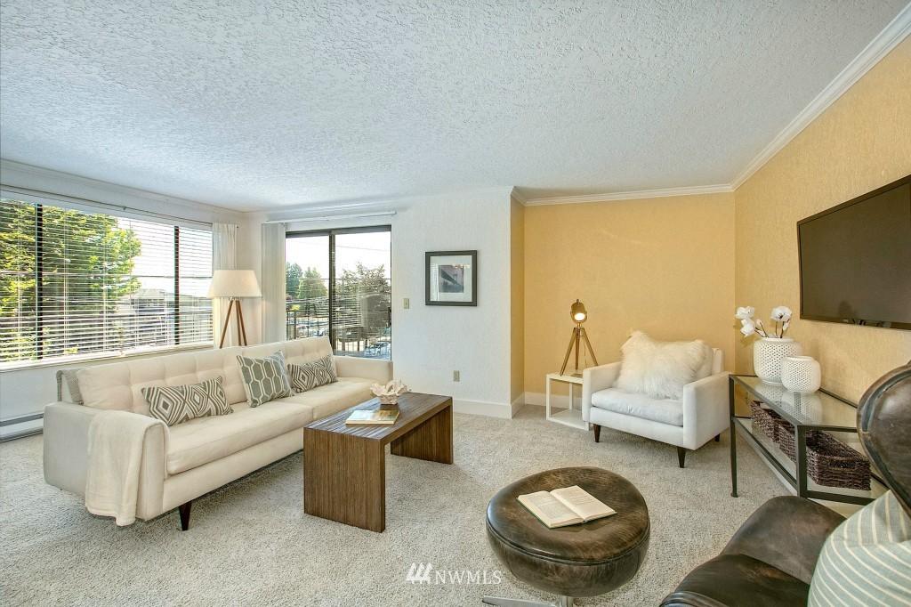 Sold Property | 7501 Greenwood Avenue N #301 Seattle, WA 98103 1