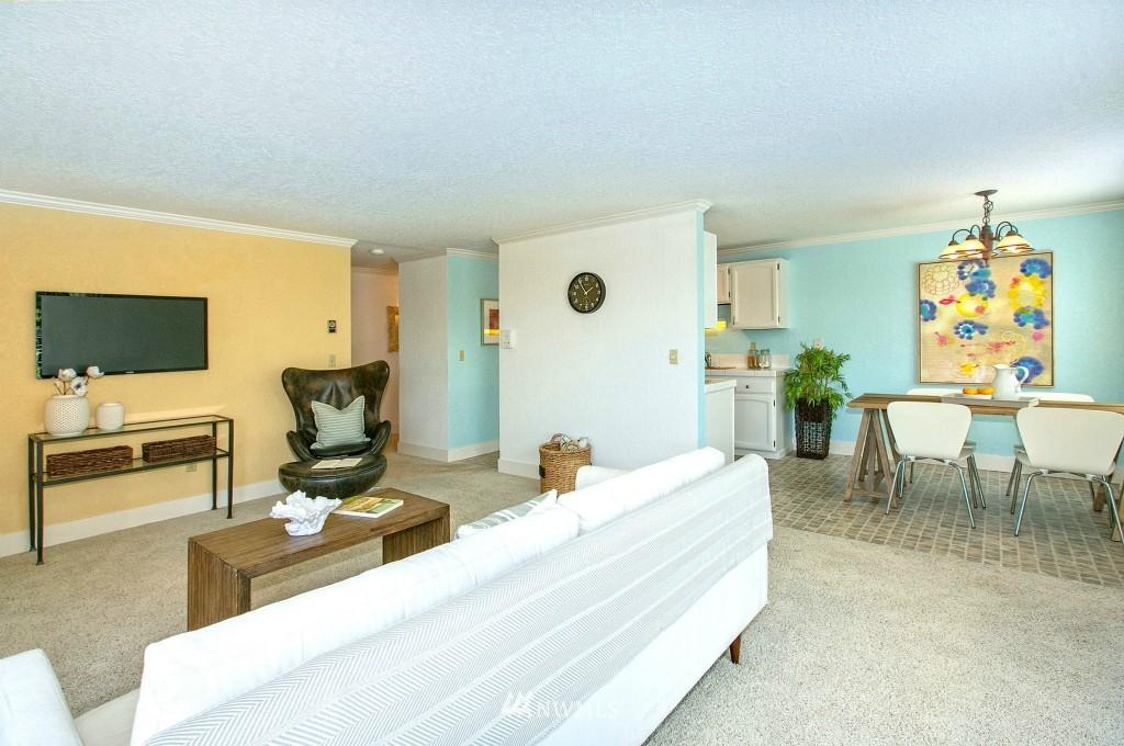 Sold Property | 7501 Greenwood Avenue N #301 Seattle, WA 98103 2