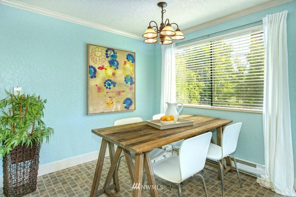 Sold Property | 7501 Greenwood Avenue N #301 Seattle, WA 98103 3