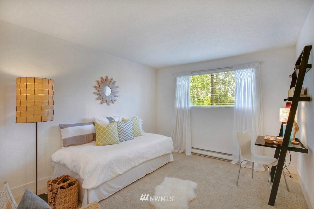 Sold Property | 7501 Greenwood Avenue N #301 Seattle, WA 98103 7