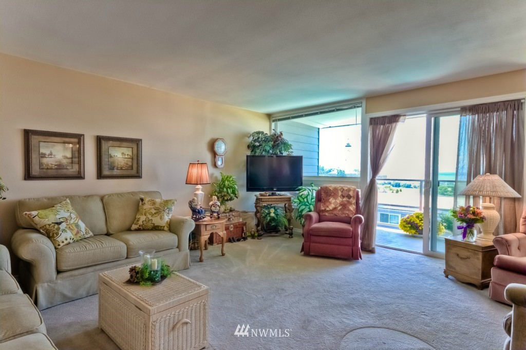 Sold Property | 555 Alder Street #B-7 Edmonds, WA 98020 5