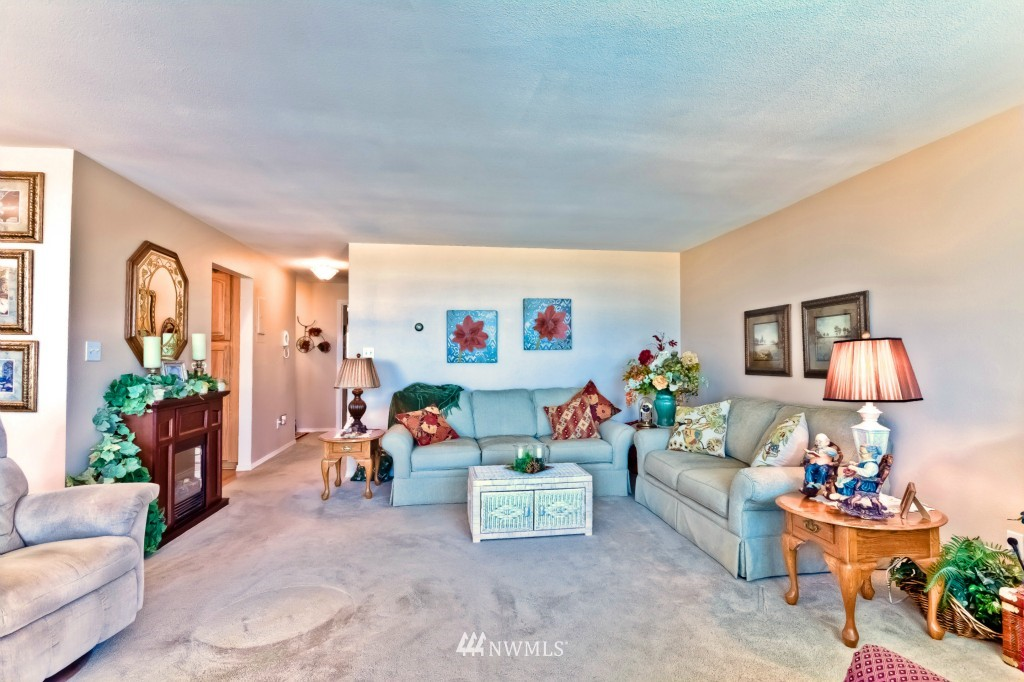 Sold Property | 555 Alder Street #B-7 Edmonds, WA 98020 6
