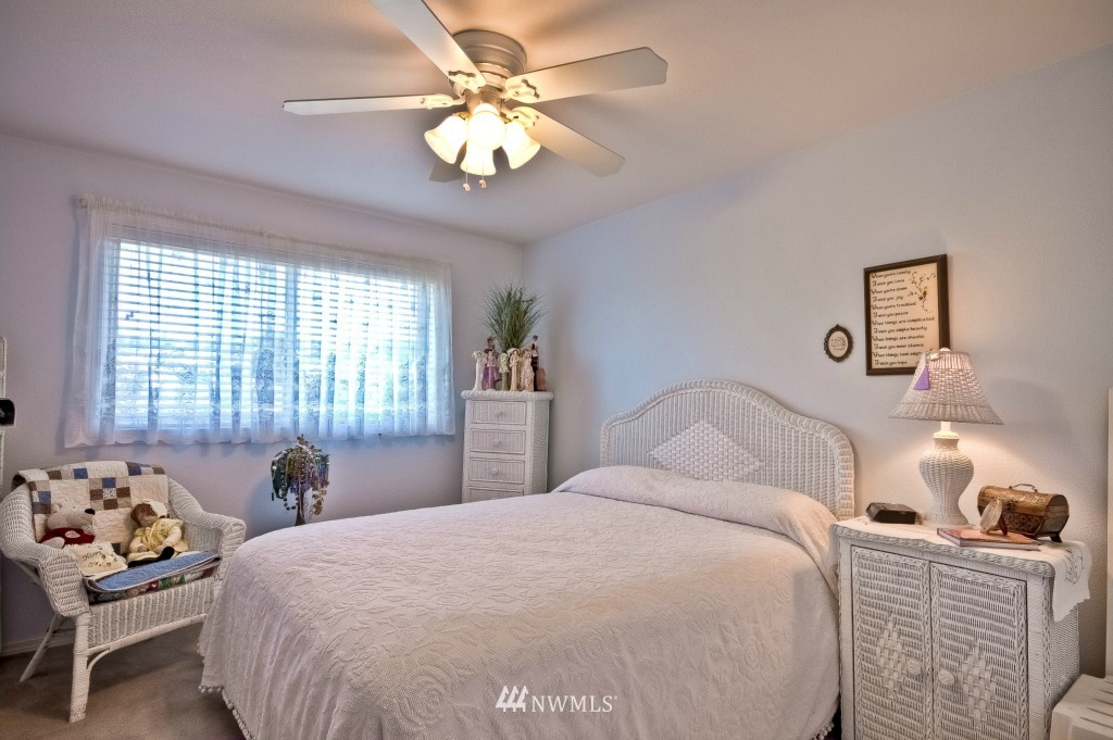 Sold Property | 555 Alder Street #B-7 Edmonds, WA 98020 10
