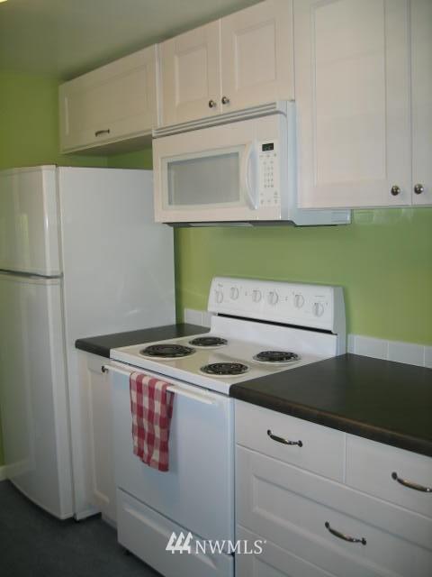 Sold Property | 2529 NE 134th Street Seattle, WA 98125 3