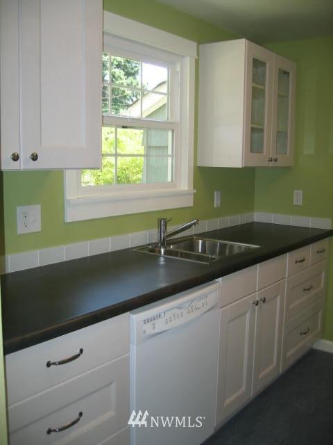 Sold Property | 2529 NE 134th Street Seattle, WA 98125 4