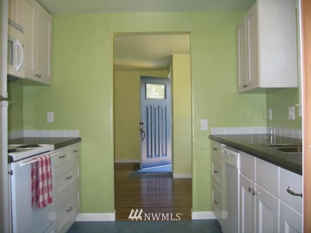 Sold Property | 2529 NE 134th Street Seattle, WA 98125 5