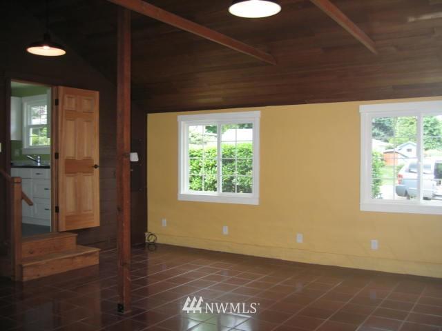 Sold Property | 2529 NE 134th Street Seattle, WA 98125 7