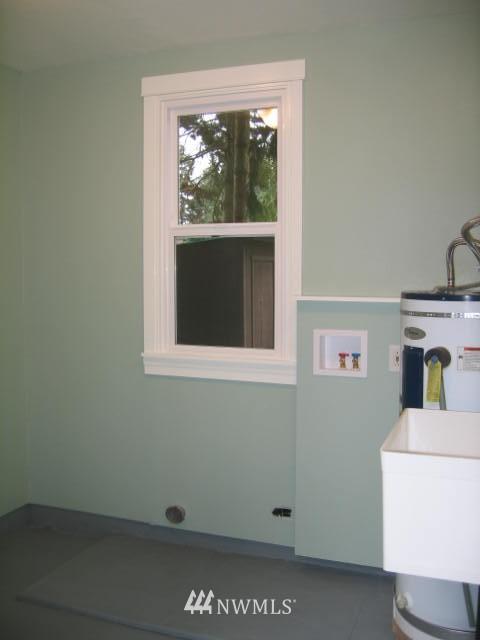 Sold Property | 2529 NE 134th Street Seattle, WA 98125 10
