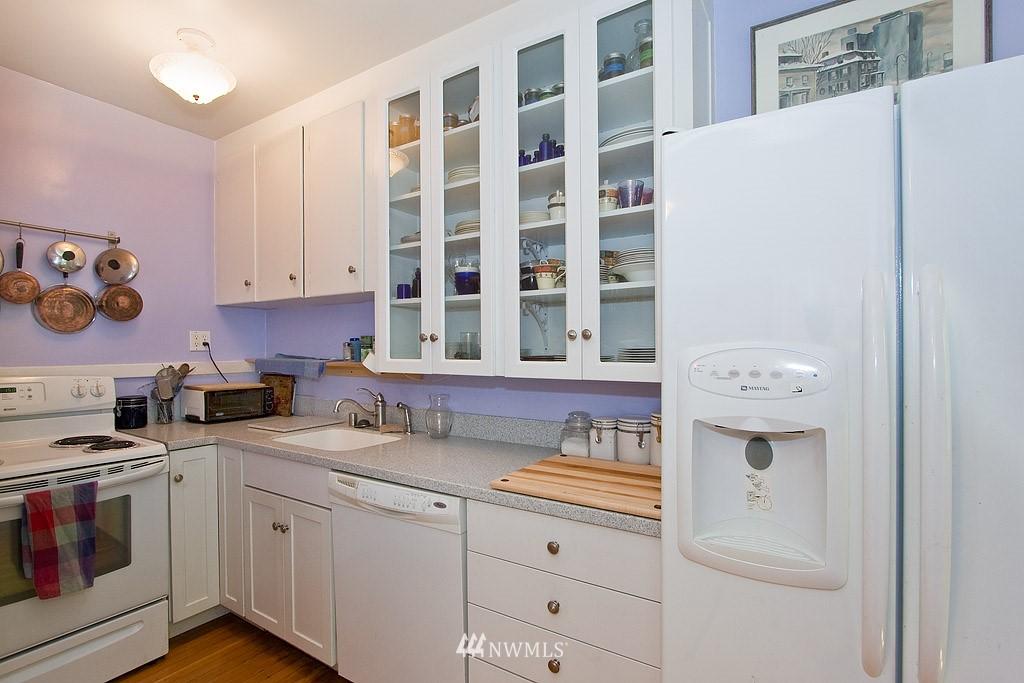 Sold Property | 4725 15th Avenue NE #22 Seattle, WA 98105 7