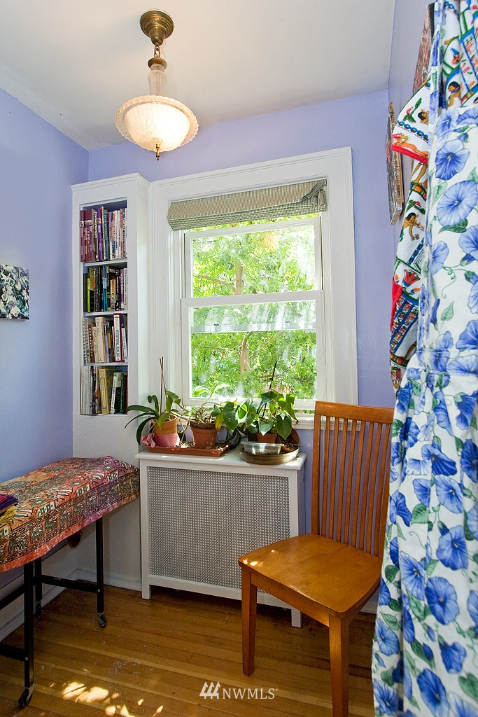 Sold Property | 4725 15th Avenue NE #22 Seattle, WA 98105 8