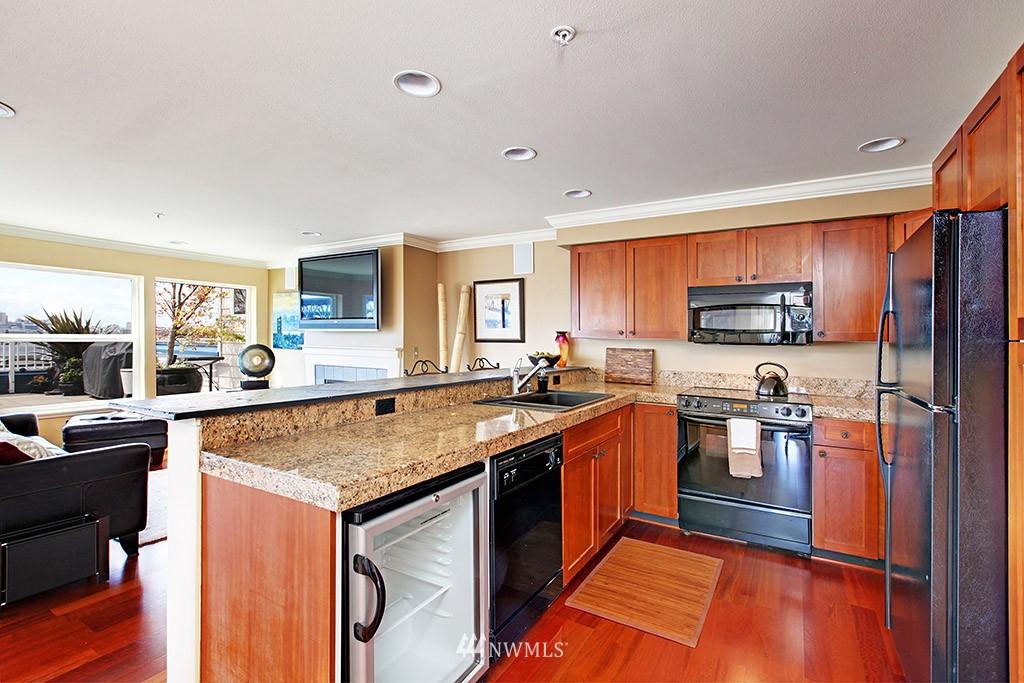 Sold Property   3919 Latona Avenue NE #305 Seattle, WA 98105 3