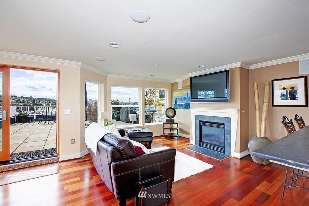 Sold Property   3919 Latona Avenue NE #305 Seattle, WA 98105 5