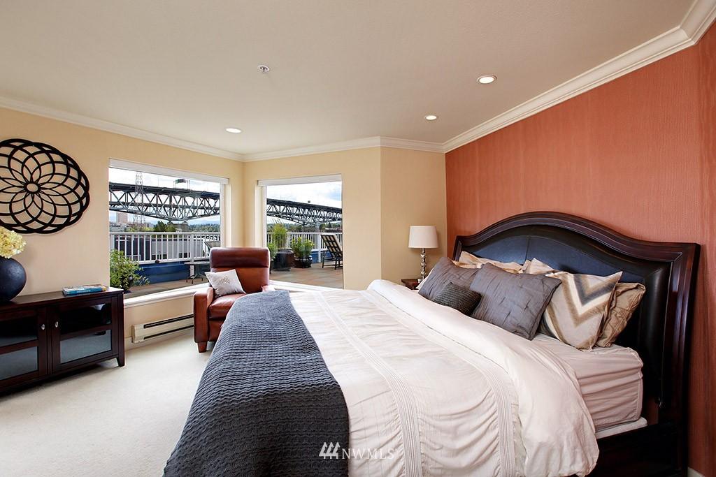 Sold Property   3919 Latona Avenue NE #305 Seattle, WA 98105 9