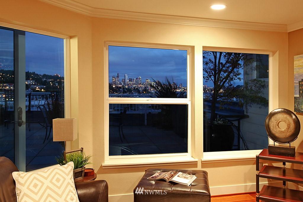 Sold Property   3919 Latona Avenue NE #305 Seattle, WA 98105 7