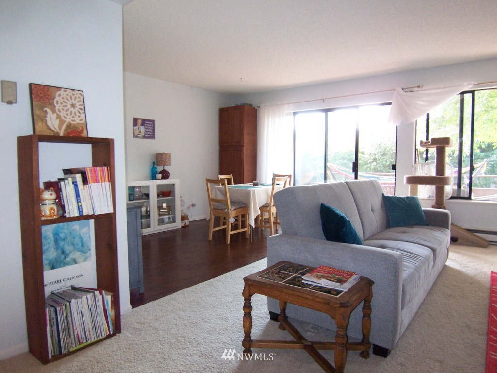 Sold Property | 7924 212th Street SW #201 Edmonds, WA 98026 3