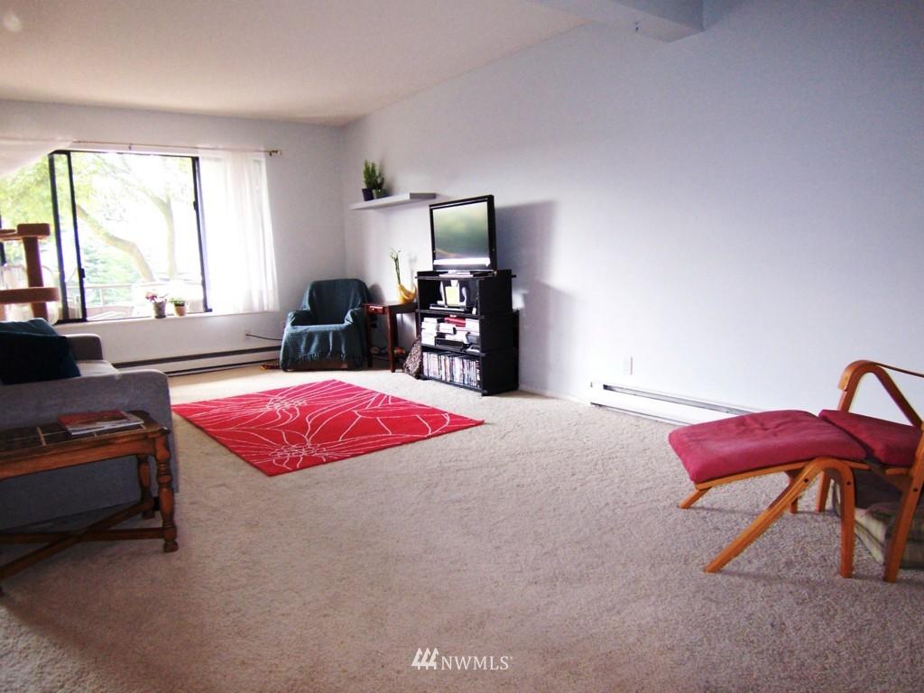 Sold Property | 7924 212th Street SW #201 Edmonds, WA 98026 5