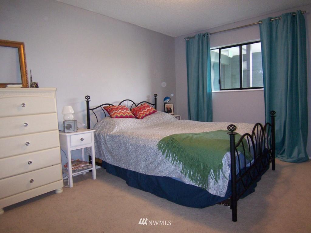 Sold Property | 7924 212th Street SW #201 Edmonds, WA 98026 8