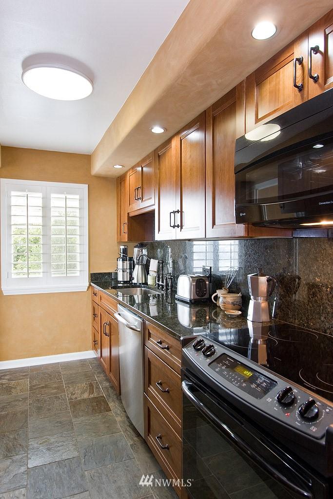 Sold Property   308 E Republican Street #614 Seattle, WA 98102 4
