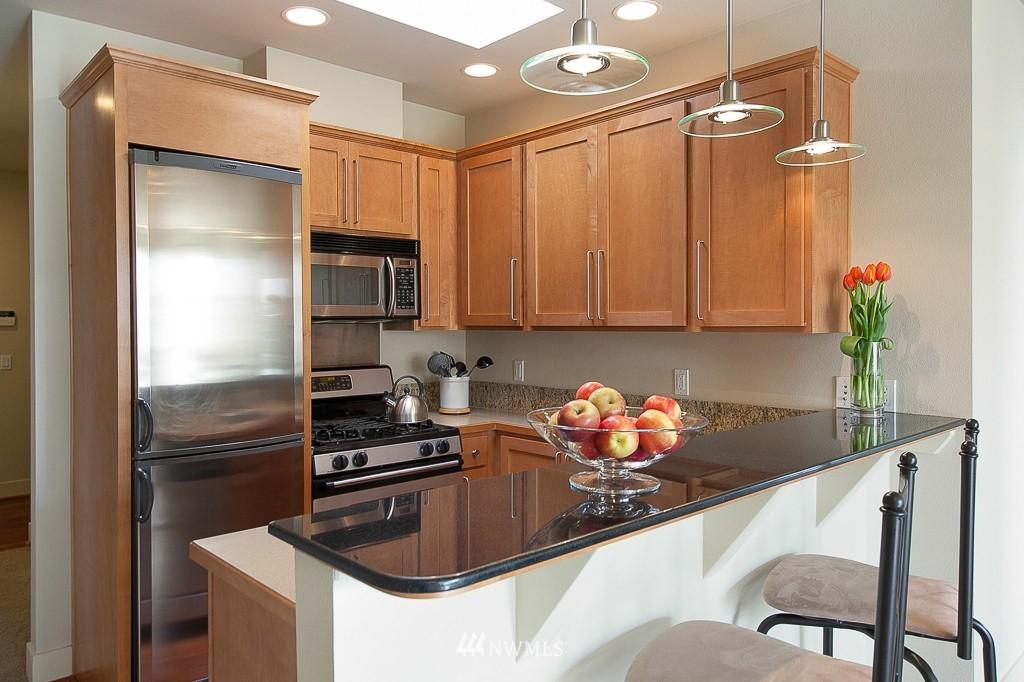 Sold Property | 401 NE 71 Street #605 Seattle, WA 98115 3