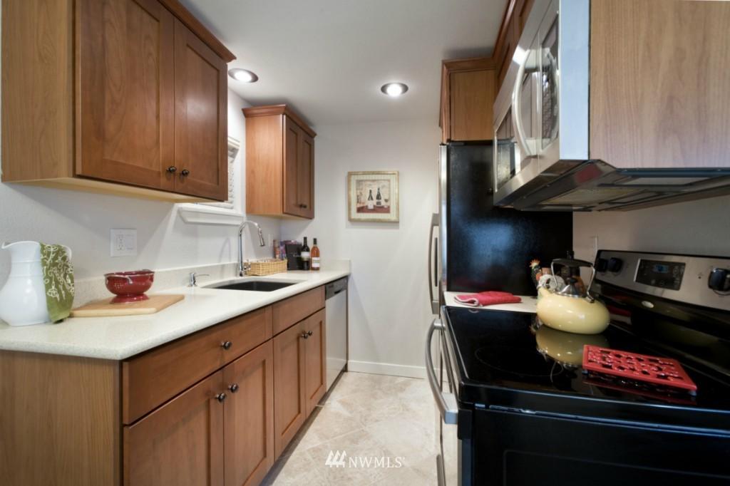 Sold Property | 4111 Whitman Avenue N #101 Seattle, WA 98103 6
