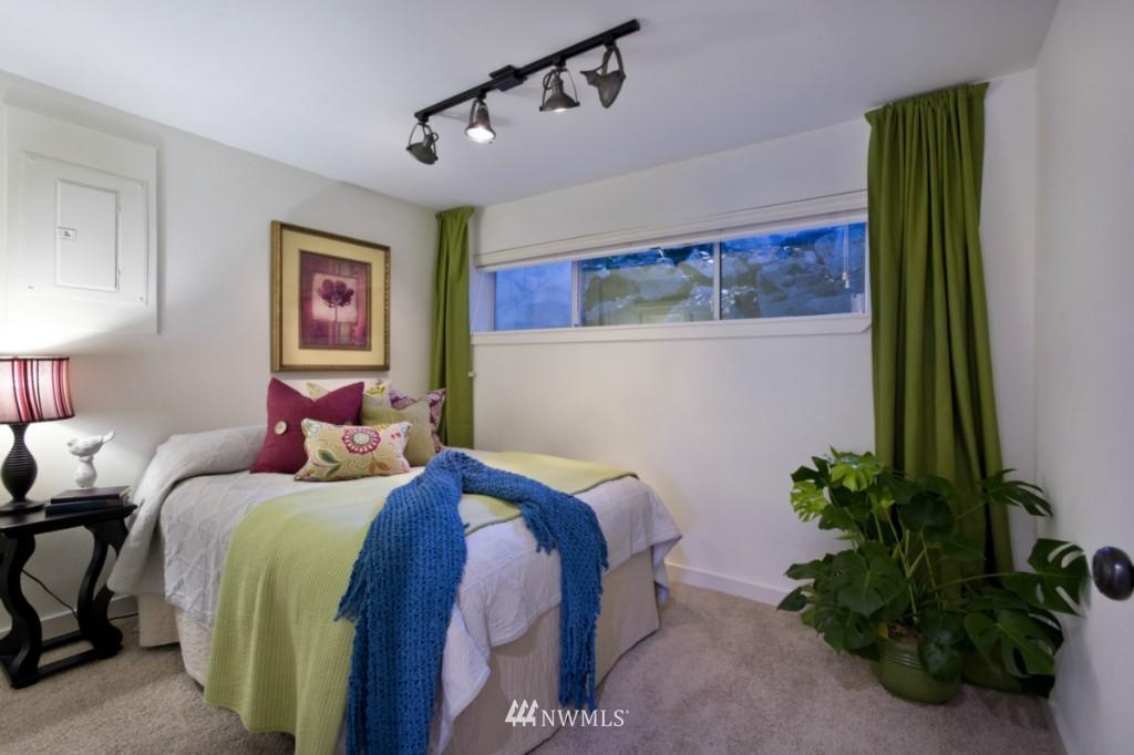 Sold Property | 4111 Whitman Avenue N #101 Seattle, WA 98103 8