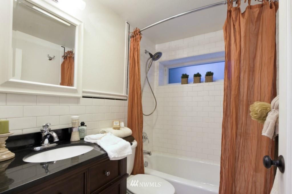 Sold Property | 4111 Whitman Avenue N #101 Seattle, WA 98103 9