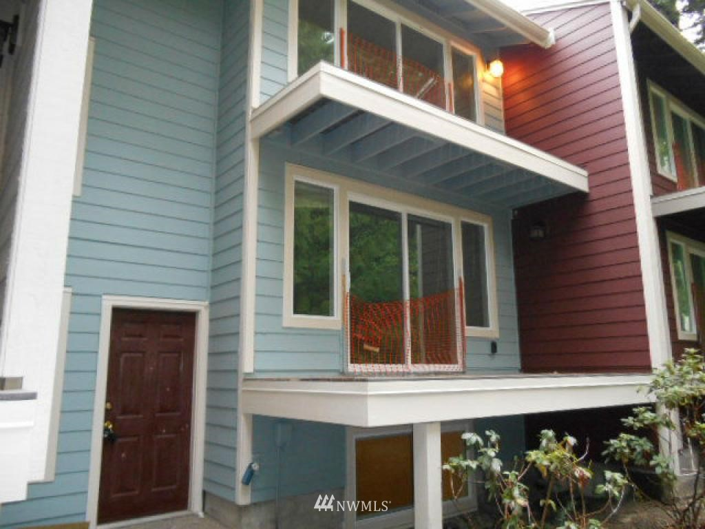 Sold Property   766 N 161st Place #G31 Shoreline, WA 98133 1
