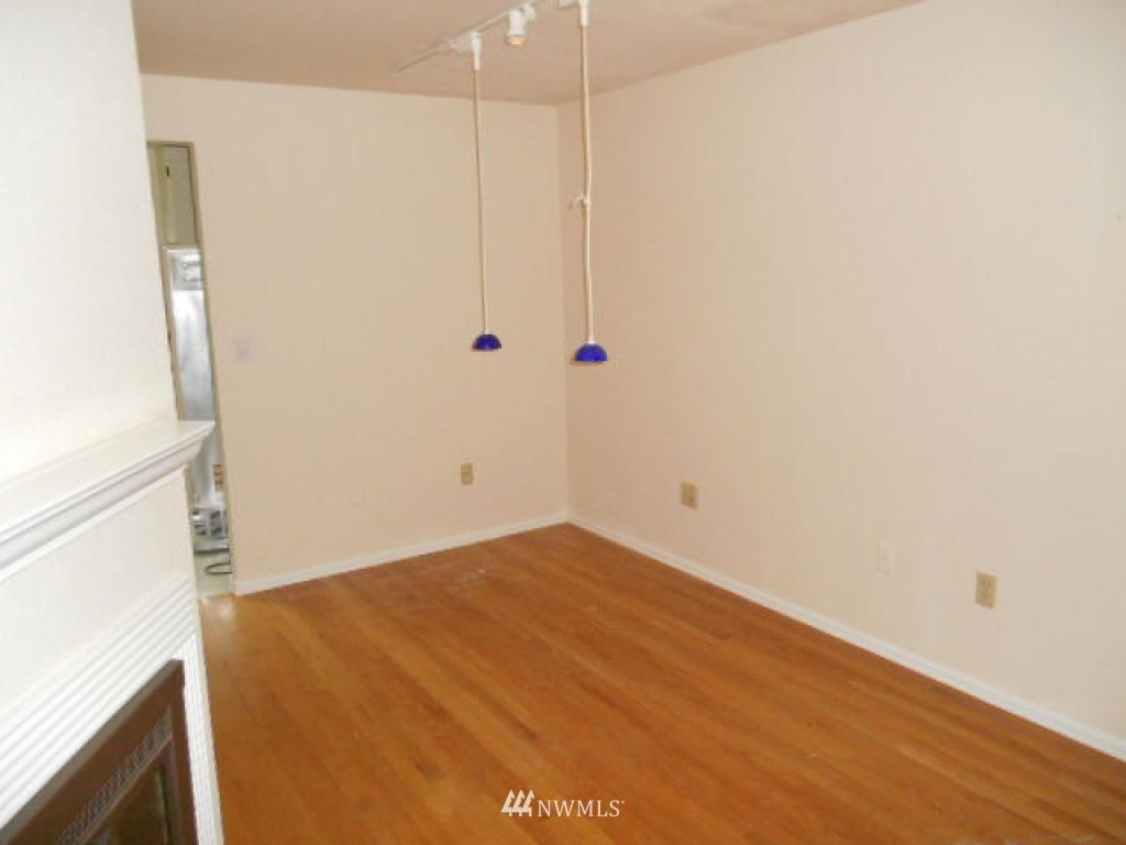 Sold Property   766 N 161st Place #G31 Shoreline, WA 98133 3