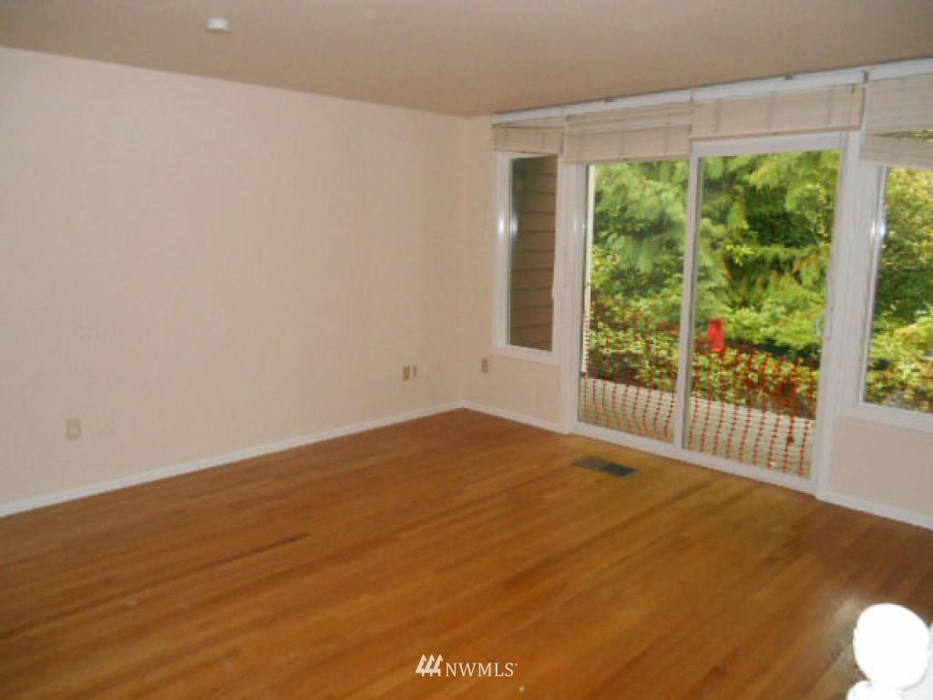 Sold Property   766 N 161st Place #G31 Shoreline, WA 98133 4