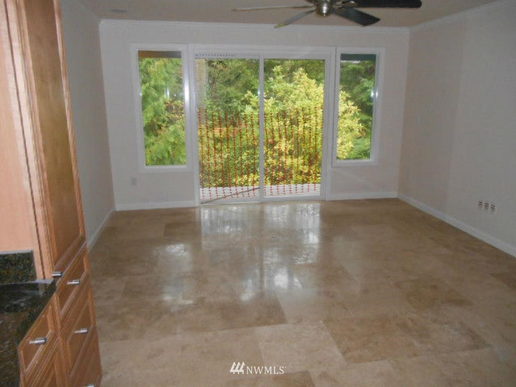 Sold Property   766 N 161st Place #G31 Shoreline, WA 98133 5