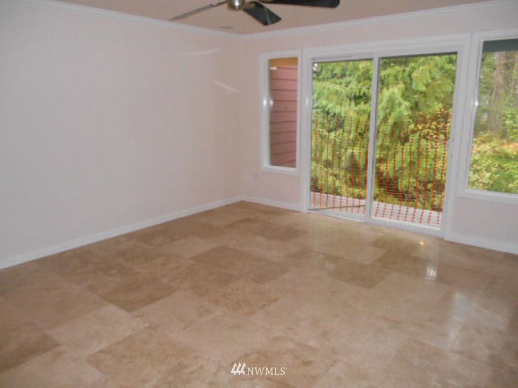 Sold Property   766 N 161st Place #G31 Shoreline, WA 98133 6