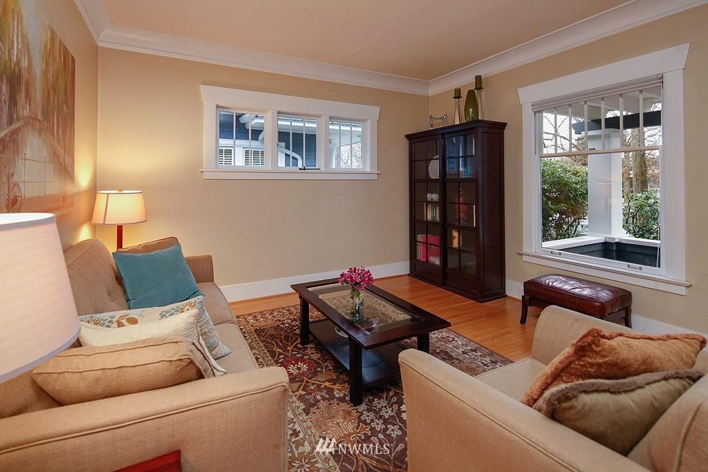 Sold Property | 1113 NE Ravenna Boulevard Seattle, WA 98105 3