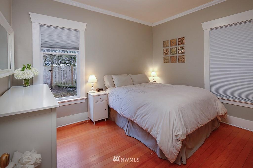 Sold Property | 1113 NE Ravenna Boulevard Seattle, WA 98105 7