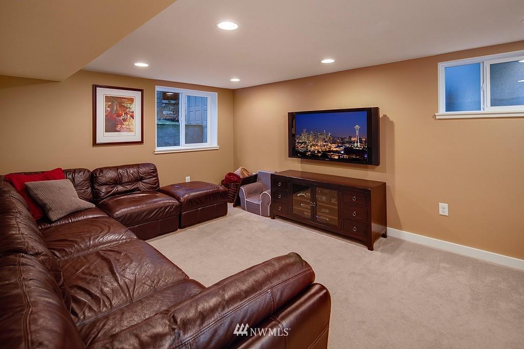 Sold Property | 1113 NE Ravenna Boulevard Seattle, WA 98105 9