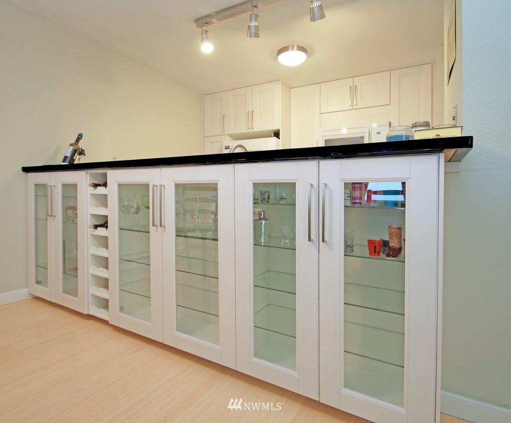 Sold Property | 5844 NE 75th Street #E-108 Seattle, WA 98115 3