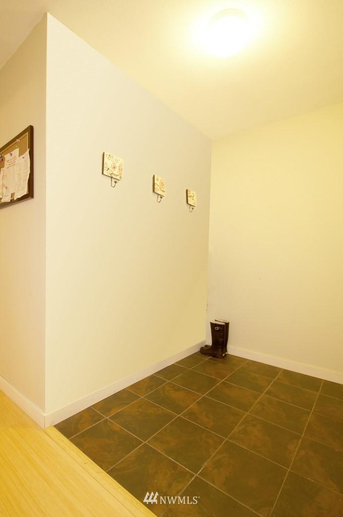 Sold Property | 5844 NE 75th Street #E-108 Seattle, WA 98115 6