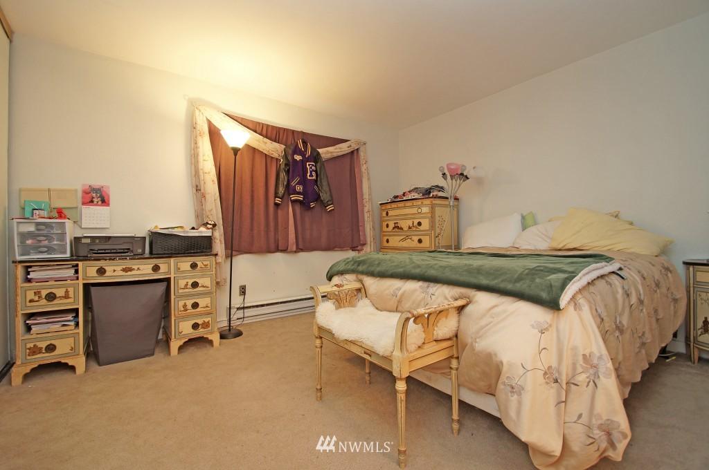 Sold Property | 5844 NE 75th Street #E-108 Seattle, WA 98115 7