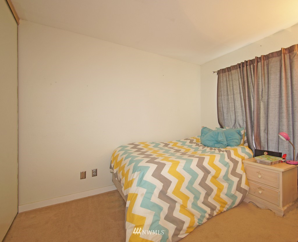 Sold Property | 5844 NE 75th Street #E-108 Seattle, WA 98115 9