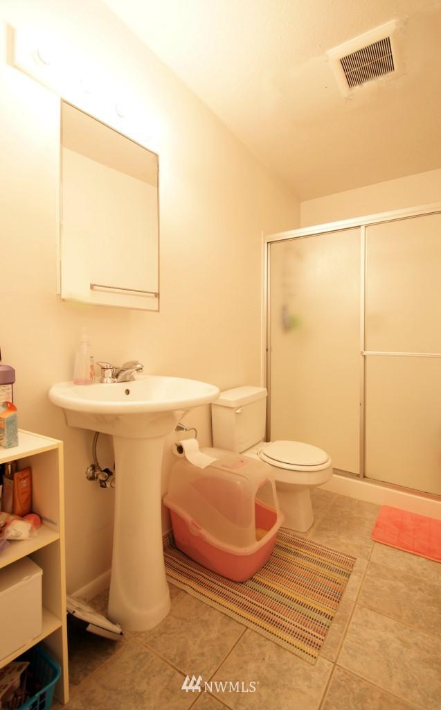 Sold Property | 5844 NE 75th Street #E-108 Seattle, WA 98115 10