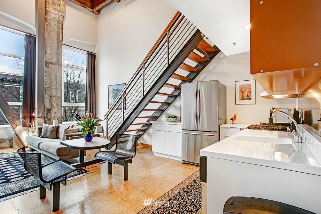 Sold Property | 1505 11 Avenue #202 Seattle, WA 98122 3